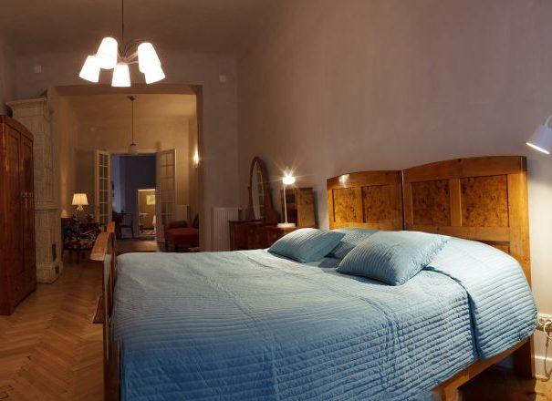 09-master-bedroom